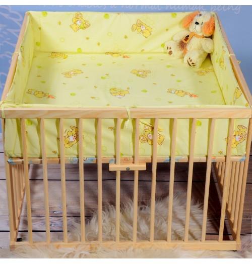 Otroška stajica Babywiege lesena pravokotna z igralno podlogo in obrobo